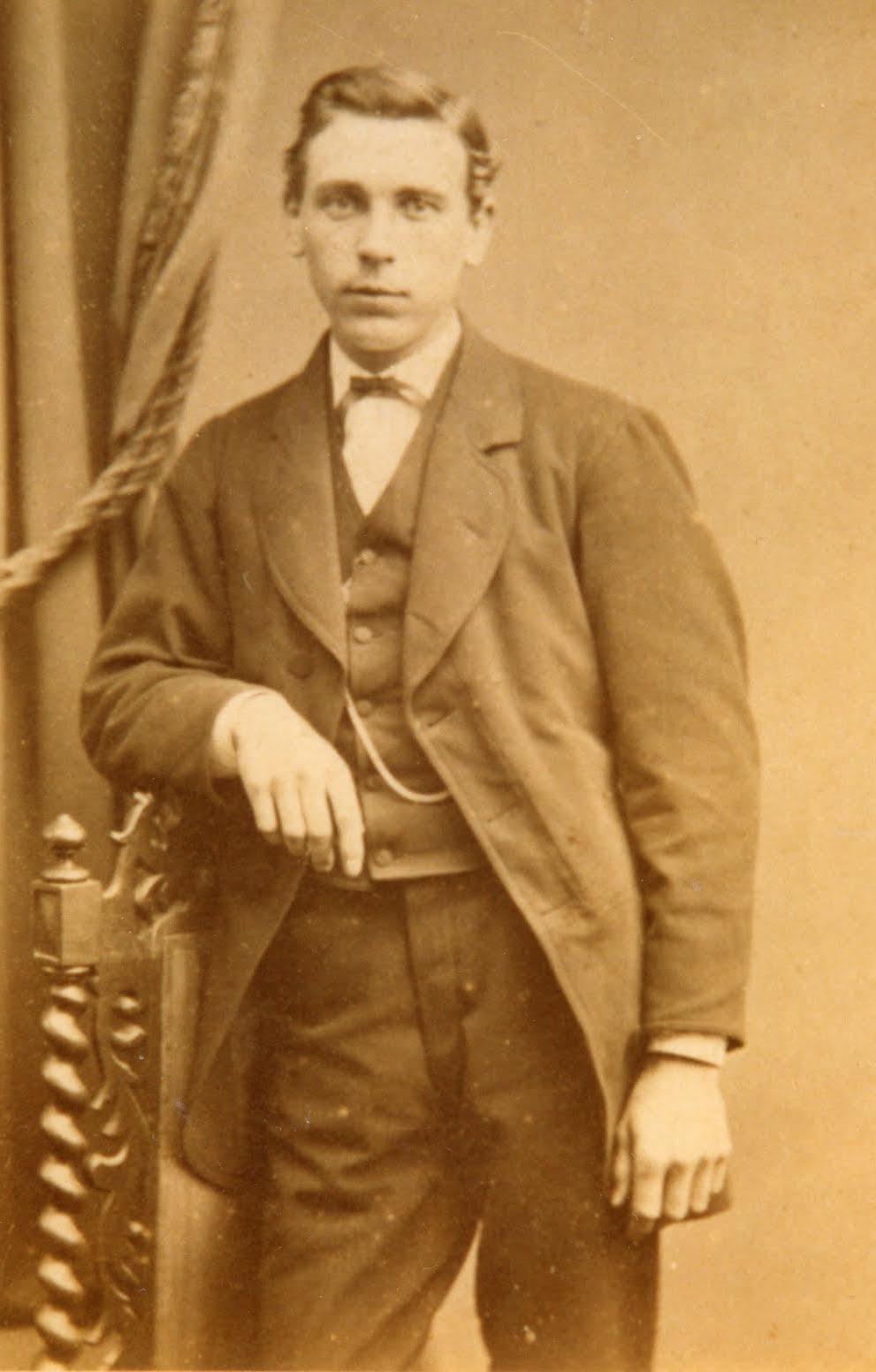Alexander Zierleyn als jonge man
